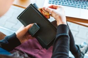 Online Broker oder Hausbank Depot?